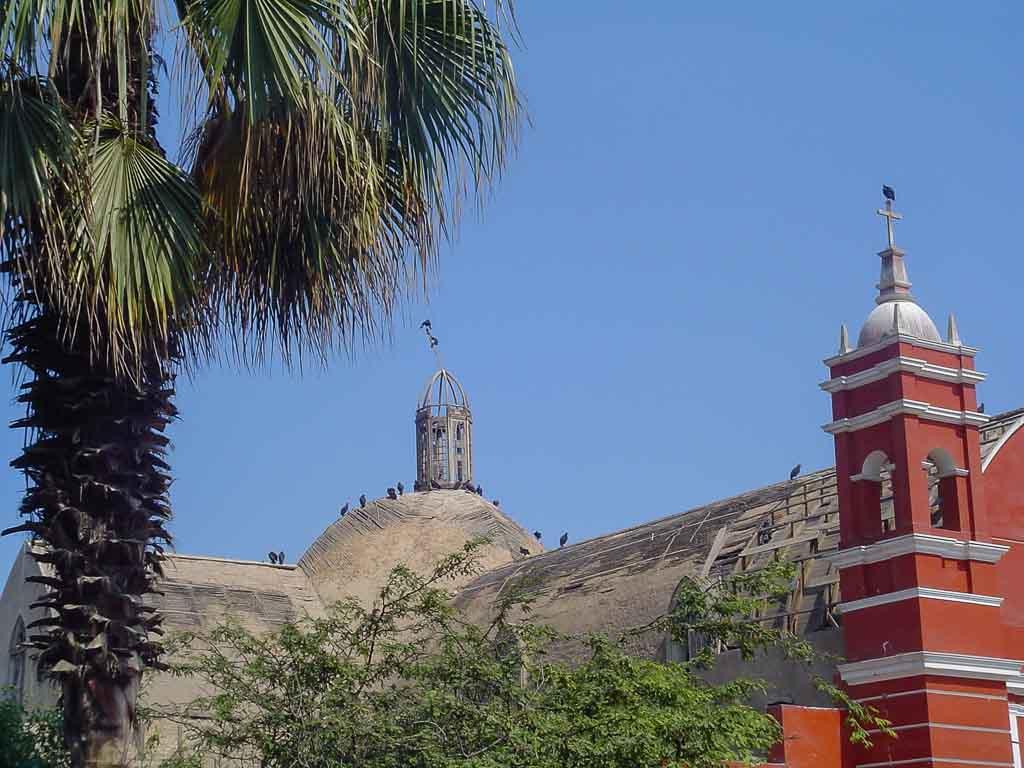 igreja-abutres-barranco-lima