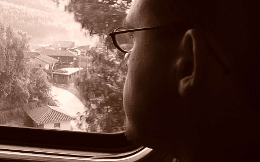 inside-backpacker-train-machu-picchu
