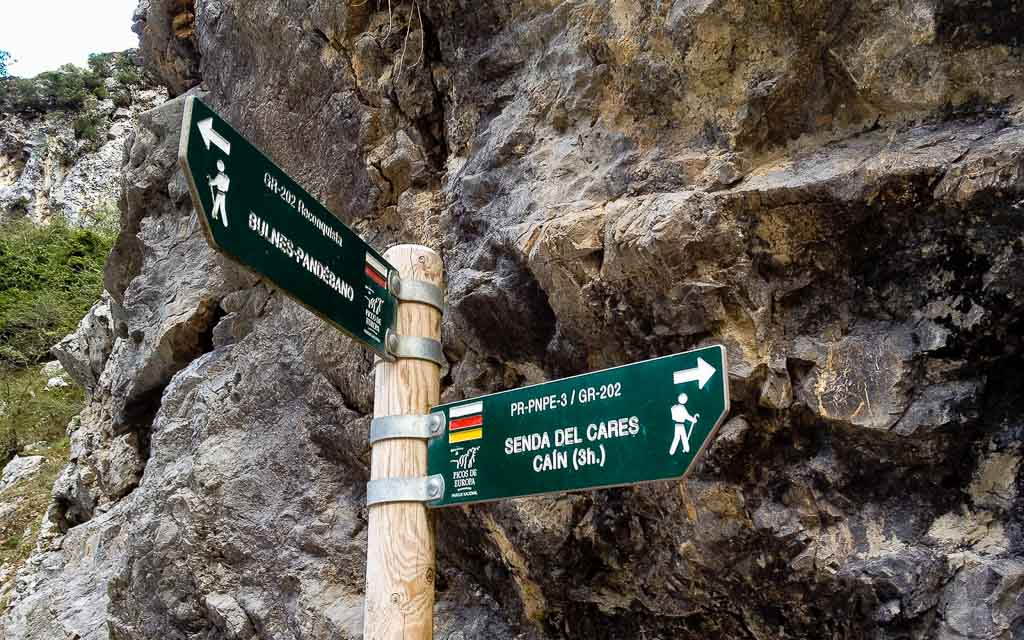 ruta-del-cares-picos-da-europa-spain-trekking-1