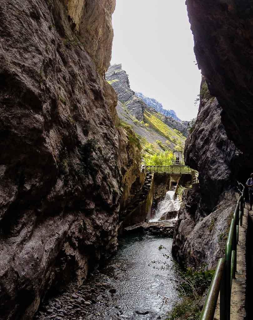 ruta-del-cares-picos-da-europa-spain-trekking-5