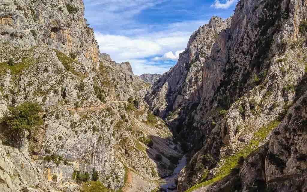 ruta-del-cares-picos-da-europa-spain-trekking-vagamundos-7