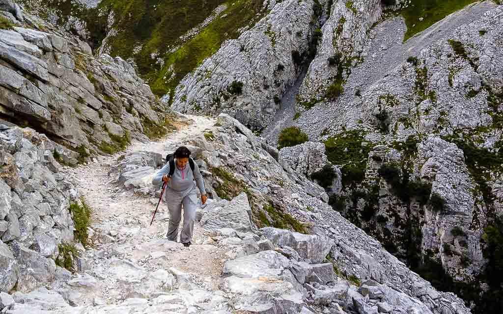 ruta-del-cares-picos-da-europa-spain-trekking-vagamundos-3