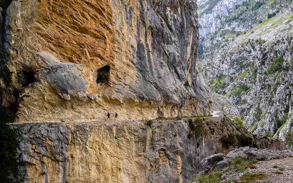 ruta-del-cares-picos-da-europa-spain-trekking-2