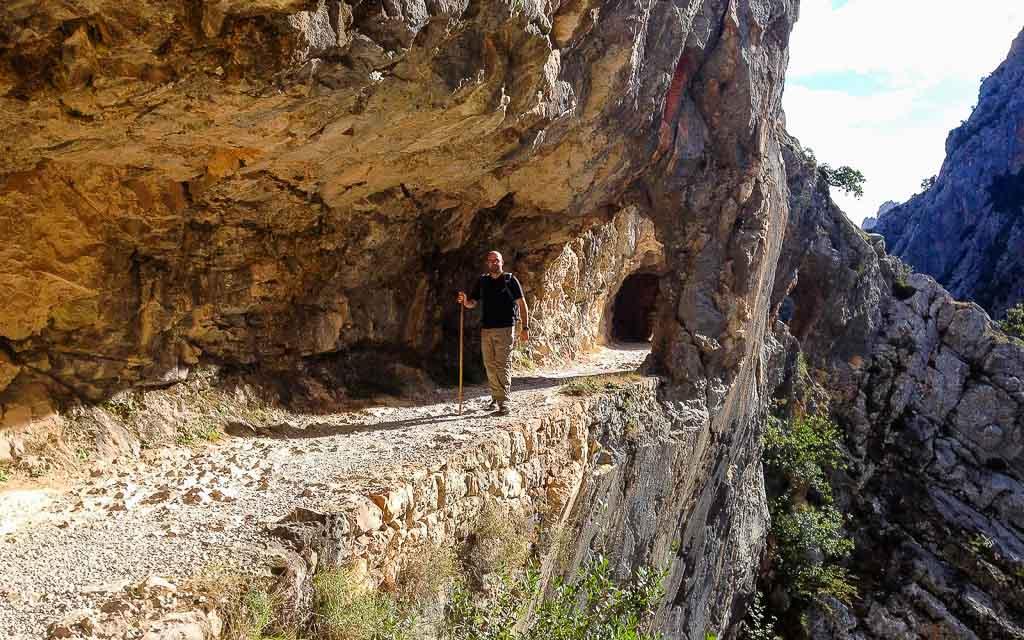 ruta-del-cares-picos-da-europa-spain-trekking-vagamundos-6