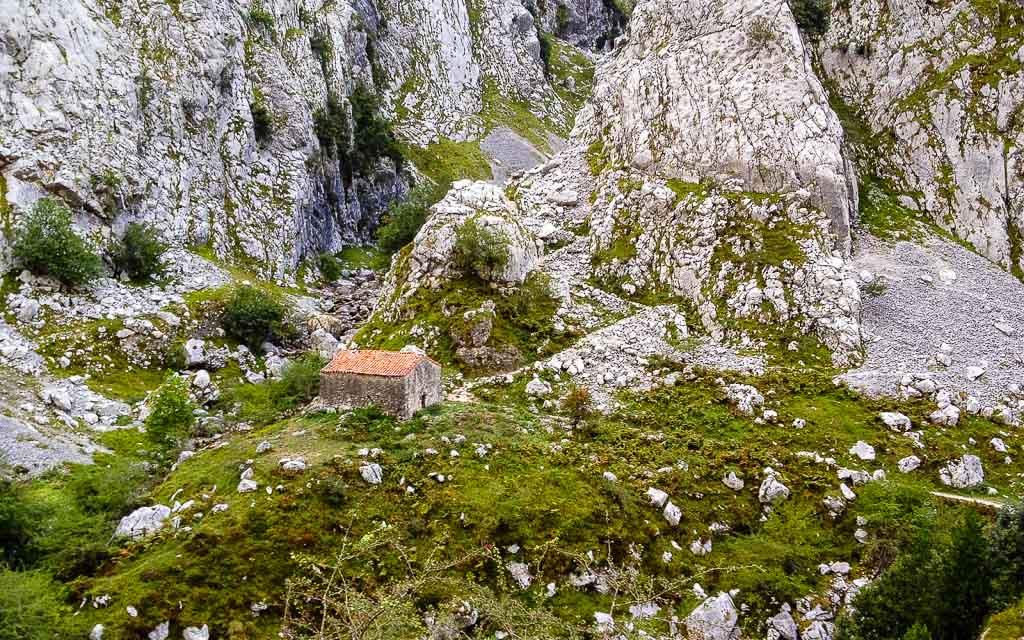 bulnes-picos-de-europa-trekking-vagamundos-2