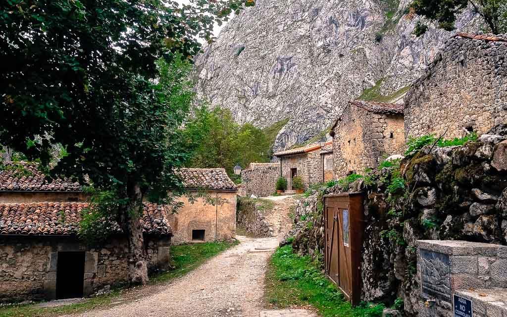 bulnes-picos-de-europa-trekking-vagamundos-14