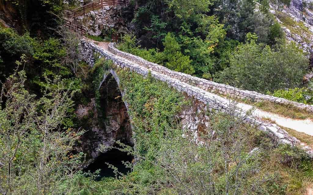 bulnes-picos-de-europa-trekking-vagamundos-3