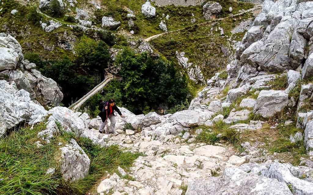 bulnes-picos-de-europa-trekking-vagamundos-9