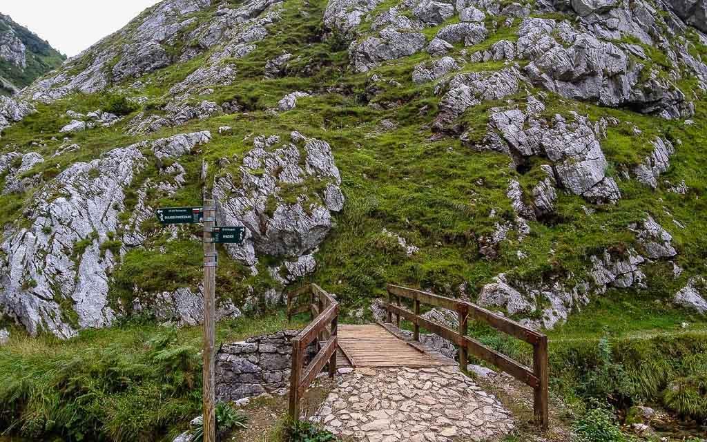 bulnes-picos-de-europa-trekking-vagamundos-6