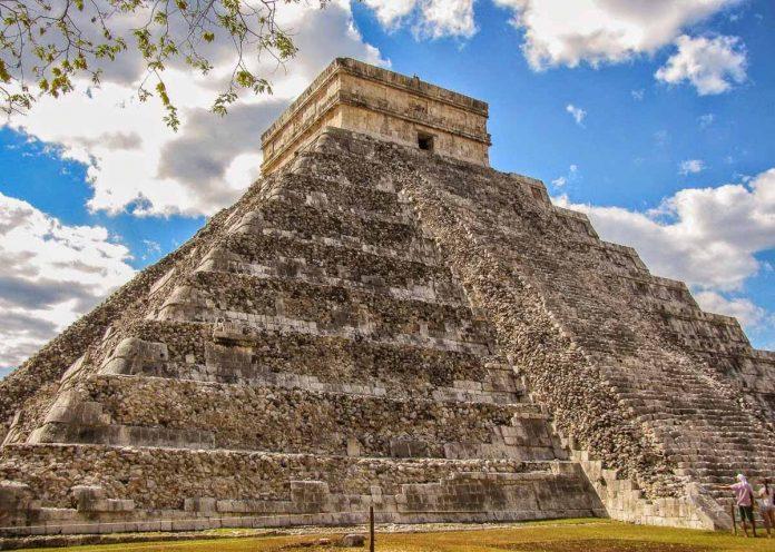 piramides-de-chichen-itza-mexico