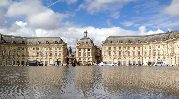 bordeus-palais-de-la-bourse-miroir-deau