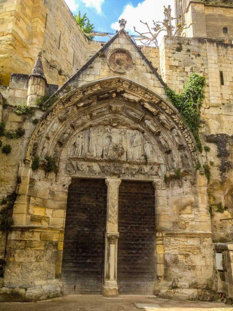 saint-emilion-eglise-monolithe