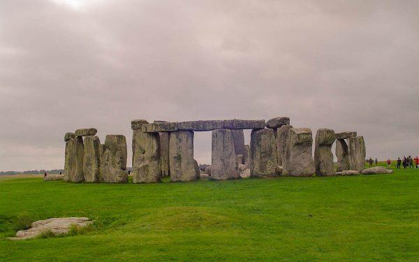 stonehenge-amesbury-england