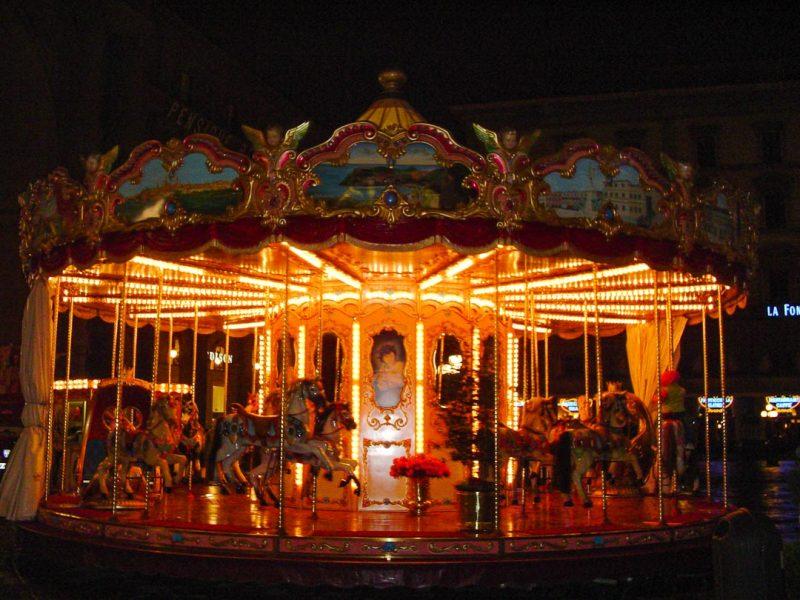 florença-carrossel-piazza-della-repubblica-by-night