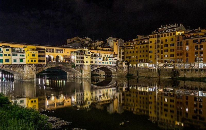 florença-ponte-vecchio-by-night