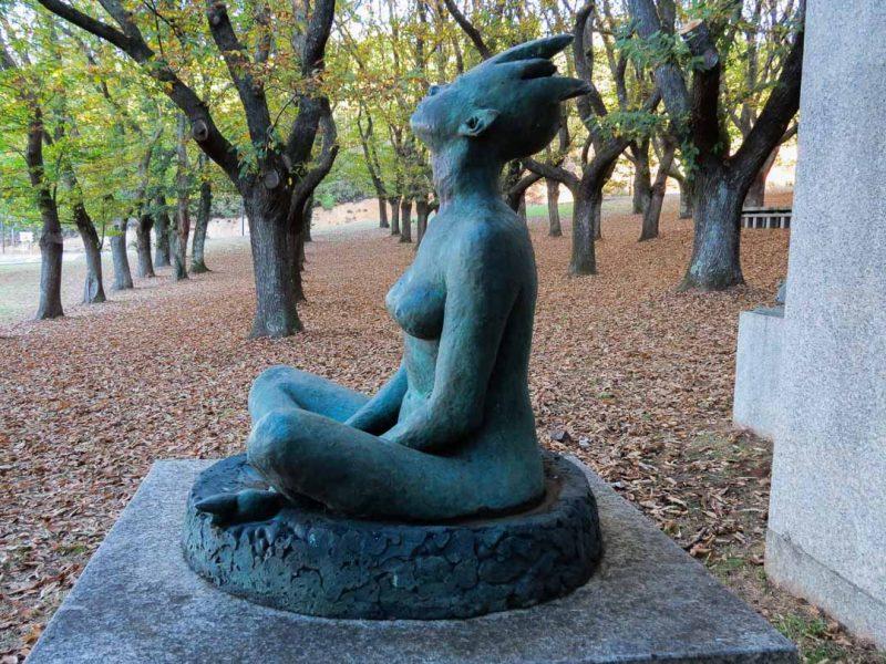Lalín escultura A Fonte no Souto de García Sánchez e Carballeira do Rodo