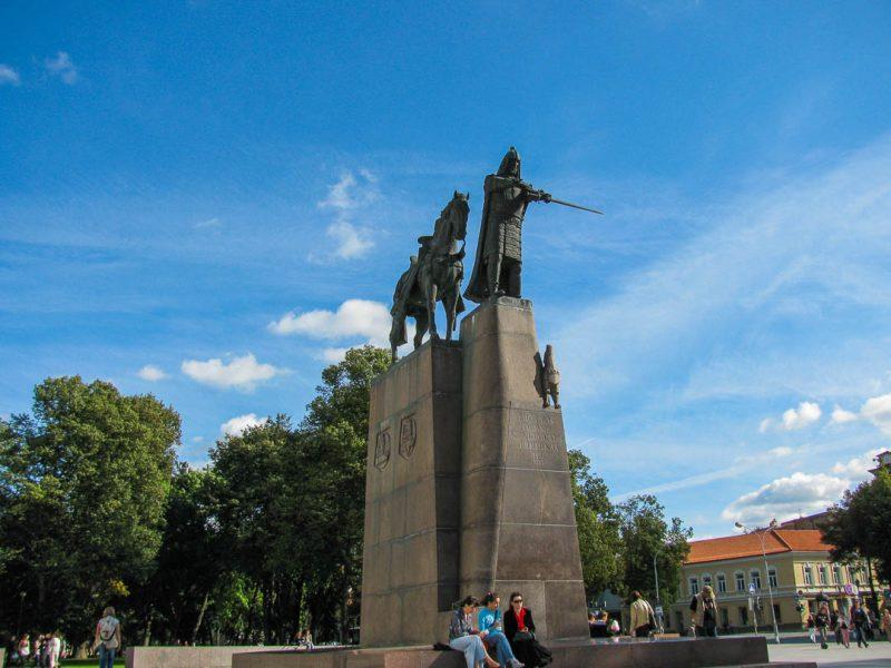 Estátua do Grão Duque Gedimino