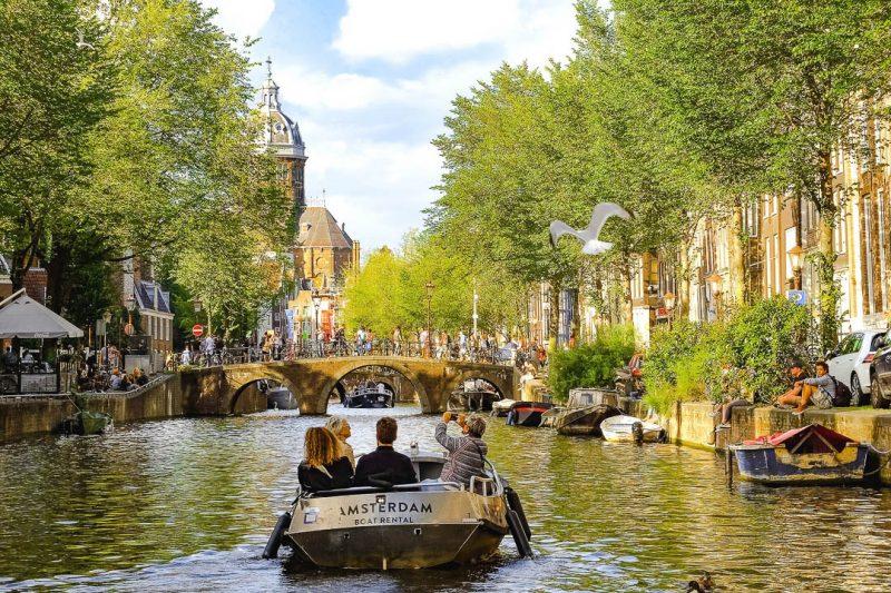Cruzeiro no Canal Amesterdão