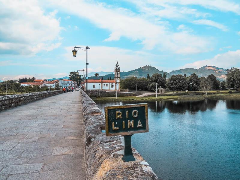 ponte-romana-sobre-o-rio-lima