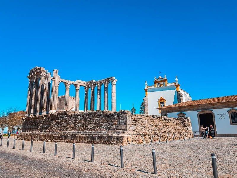 roteiro-evora-templo-romano