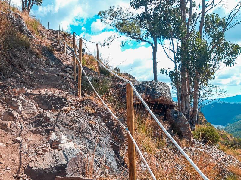 Trilho de acesso ao Baloiço e Miradouro da Serra da Boneca