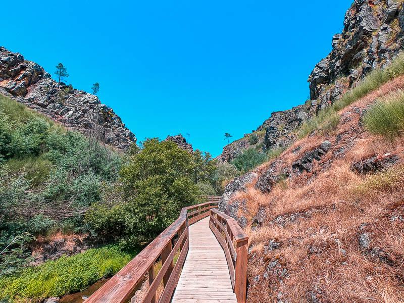 Passadiços do Penedo Furado e Trilho das Bufareiras | Vila de Rei