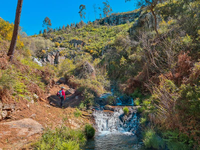 Trilho das Cascatas | Vila de Rei: percurso pedestre até à Cascata dos Poios e Cascata do Escalvadouro