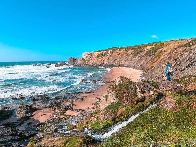 Zambujeira do Mar: o que visitar, praias e dicas de alojamentos