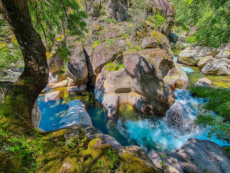 Cascatas e Piscinas Naturais de Cortes do Meio   Serra da Estrela: Guia para Visitar
